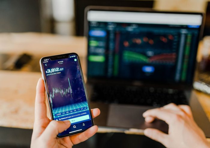 Factors to Consider to Become a Successful Forex Trader in 2020